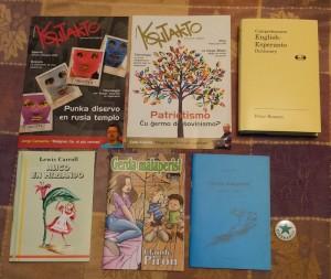 Esperanto books, magazines, and pin